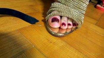 Loryelle Growing Feet Fetish