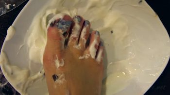 Loryelle Indoor Picnic Wet Messy Foot Fetish