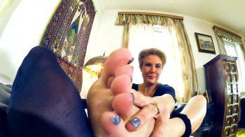 Loryelle Nylons ripped apart Foot Fetish