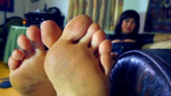 Loryelle Interrogation Foot Fetish