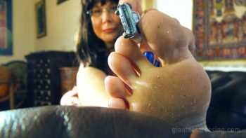 Giantess Loryelle Pink Slippers Foot Fetish