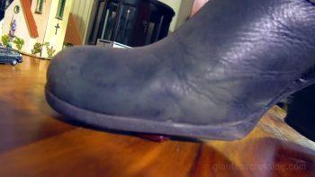 Loryelle Intruders on Giantess Mountain Foot Fetish
