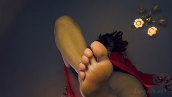 Loryelle Smelly Invitation Foot Fetish