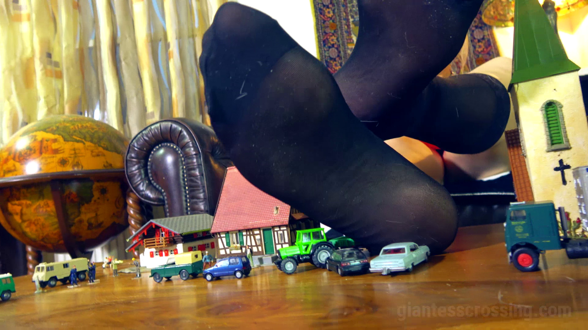 Loryelle Intruders on Giantess Mountain Foot Fetish