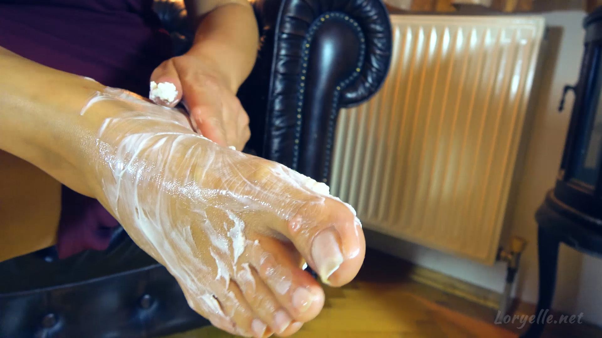 Loryelle Creamy Massage Foot Fetish Wet Messy