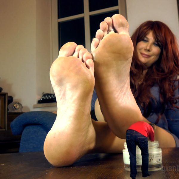 Giantess foot slave