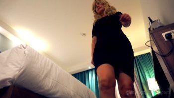 Giantess Loryelle Hide Giantess Stepmom SFX
