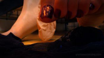 Giantess Loryelle Prisoners Tights Enchantress SFX