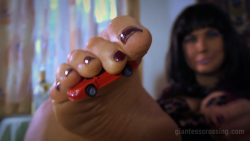 Giantess Loryelle Revenge Cafe Foot Fetish