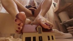 Giantess House Crush Loryelle Bathroom VR360 Foot Fetish