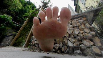 vr360 involuntary foot toy brandon loryelle giantess flip flops pov