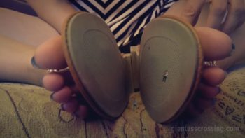 Date SEVEN 8 Tiny Toys Giantess Loryelle Belly Crush