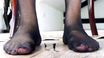 Loryelle Stepmom Vegneance Giantess Nylon Feet SFX