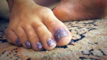 giantess ass loryelle toy boy foot fetish