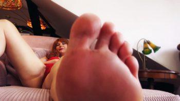 loryelle stepmom foot worship joi